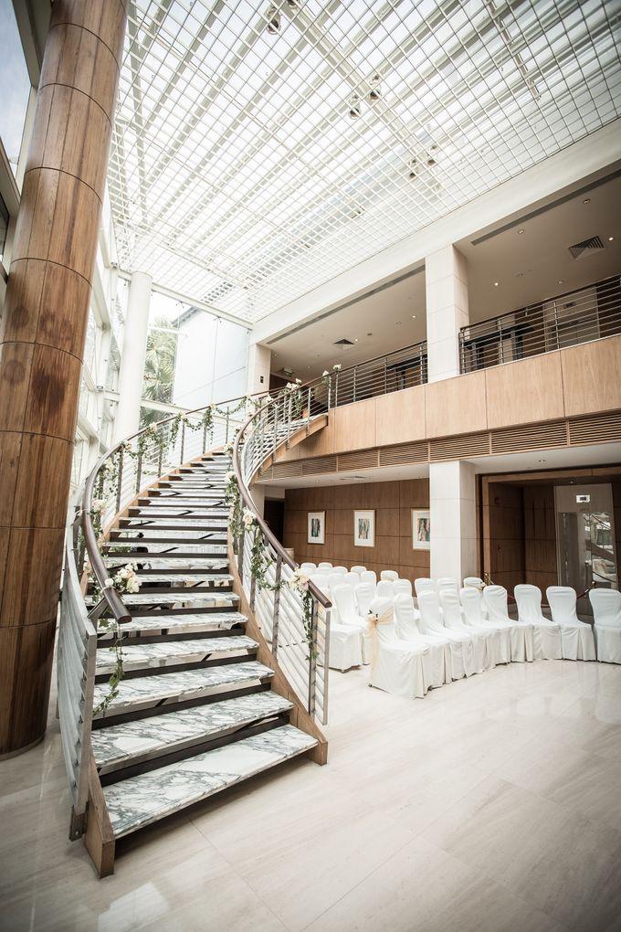 Spectacular Wedding Stairway by Amara Sanctuary Resort Sentosa - 003