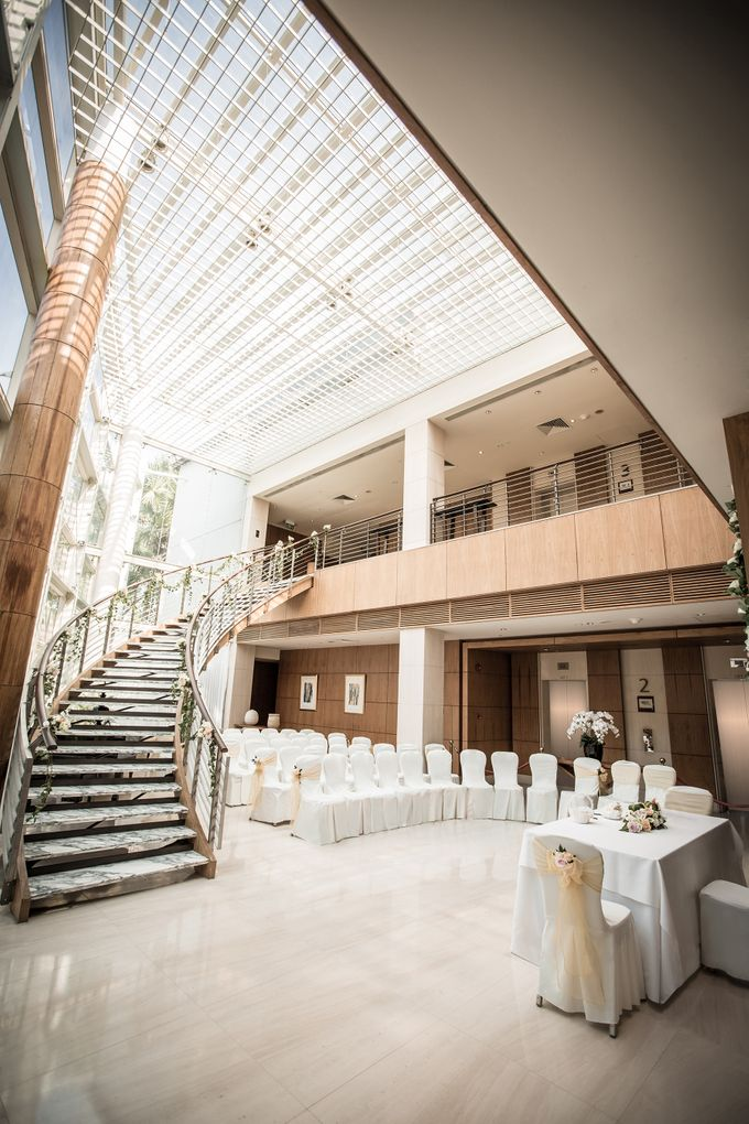 Spectacular Wedding Stairway by Amara Sanctuary Resort Sentosa - 001
