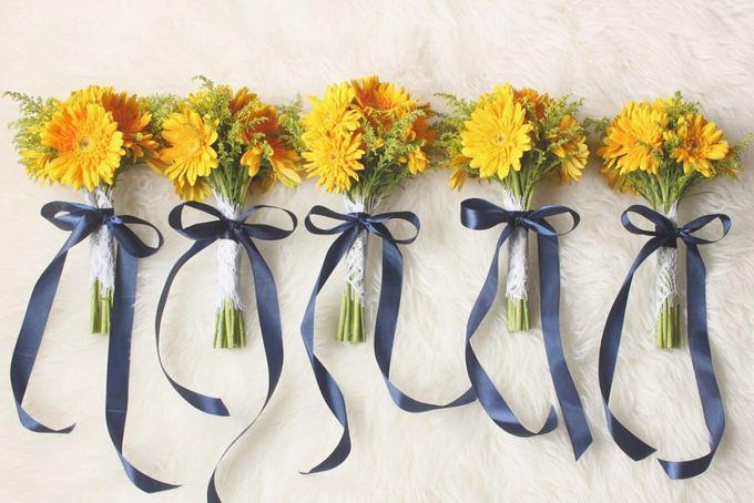 Bridal Bouquet Flowers by Benangsari Flower Studio - 008