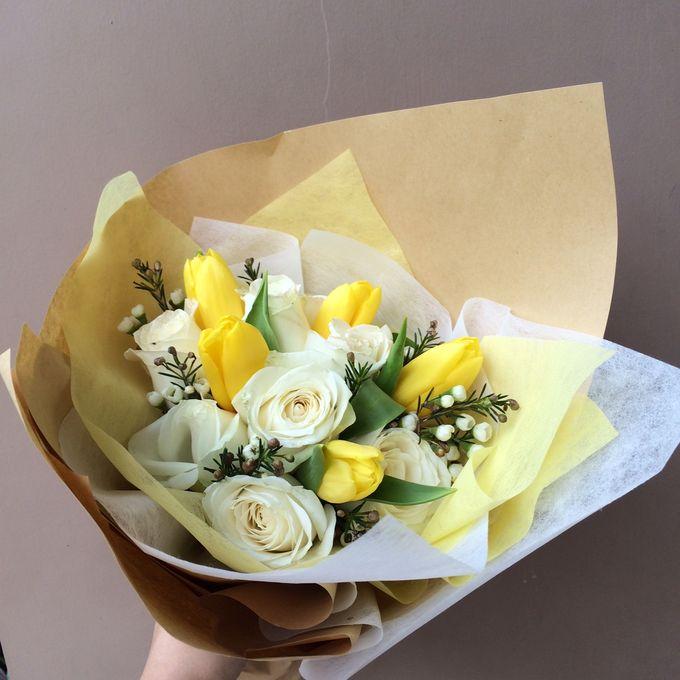 Imported Flowers by Les Fleur Flower Design - 004
