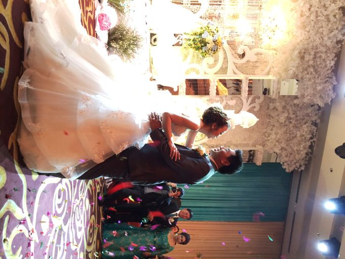 The Wedding Of Willy and Tina by JS Wedding Planner Organizer and Entertainment - 039
