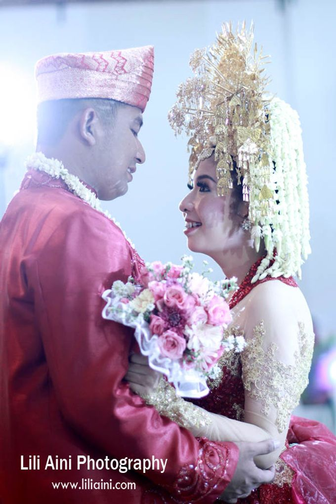 Anjung & Adhetiya Wedding by Lili Aini Photography - 014