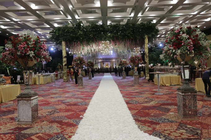 Lavish Wedding at Nusantara Hall - ICE BSD CITY by Indonesia Convention Exhibition (ICE) - 008
