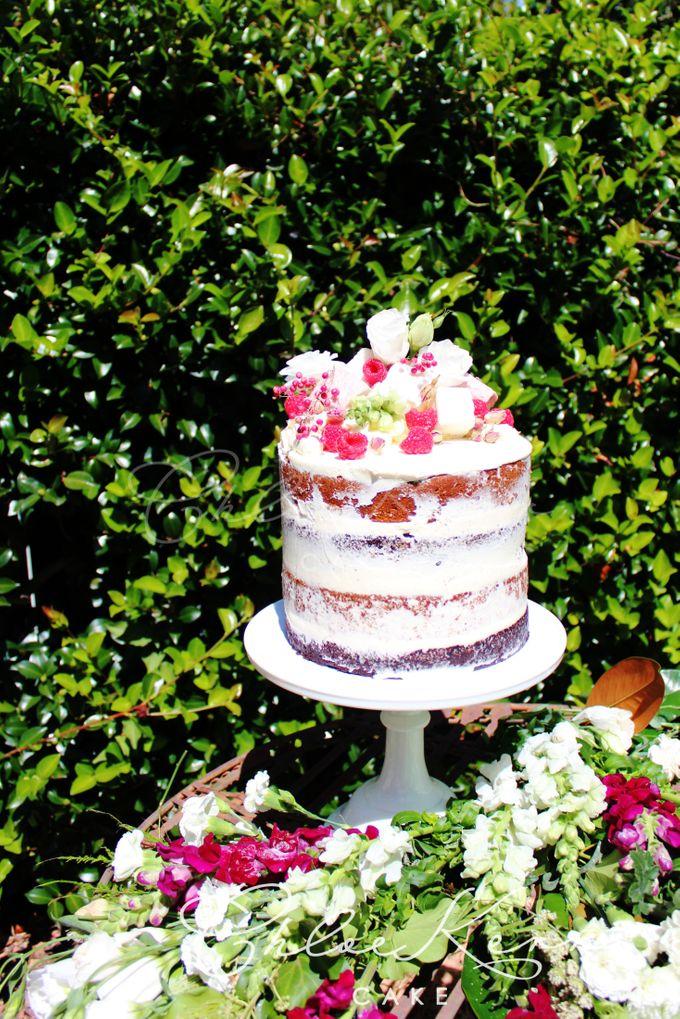 Buttercream Lush by Chloe Kerr Cake - 007