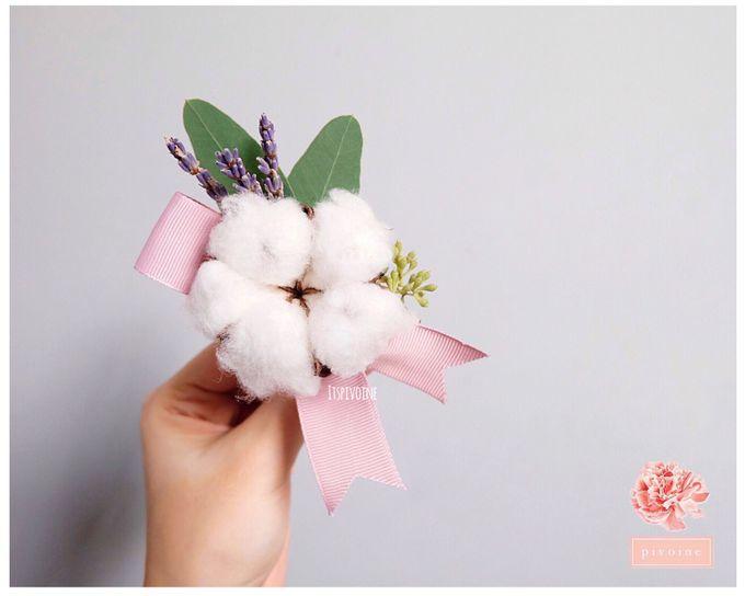 boutonniere by Pivoine Flower Shop - 010