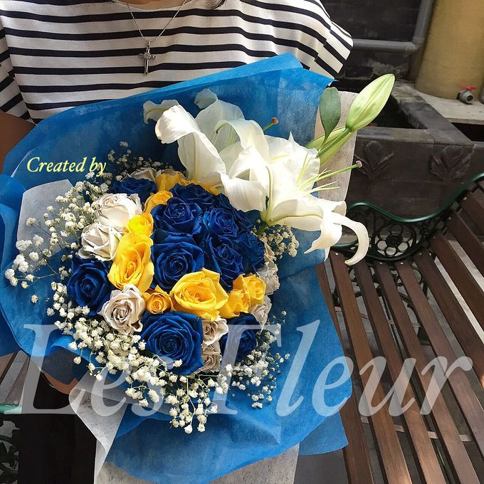 Colored Flowers by Les Fleur Flower Design - 007