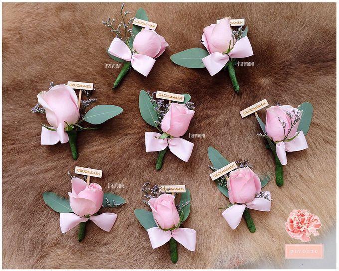 boutonniere by Pivoine Flower Shop - 011