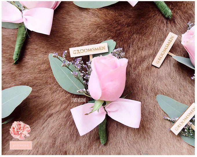 boutonniere by Pivoine Flower Shop - 015