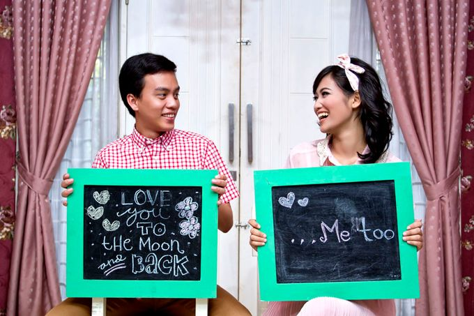 Prewedding Indoor by Lili Aini Photography - 006