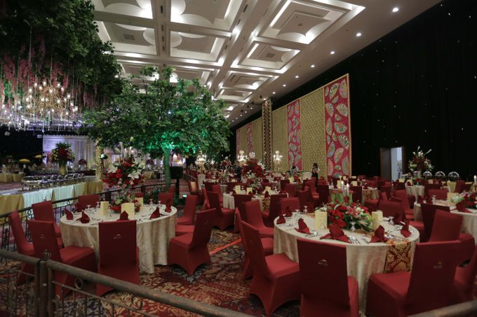 Lavish Wedding at Nusantara Hall - ICE BSD CITY by Indonesia Convention Exhibition (ICE) - 018