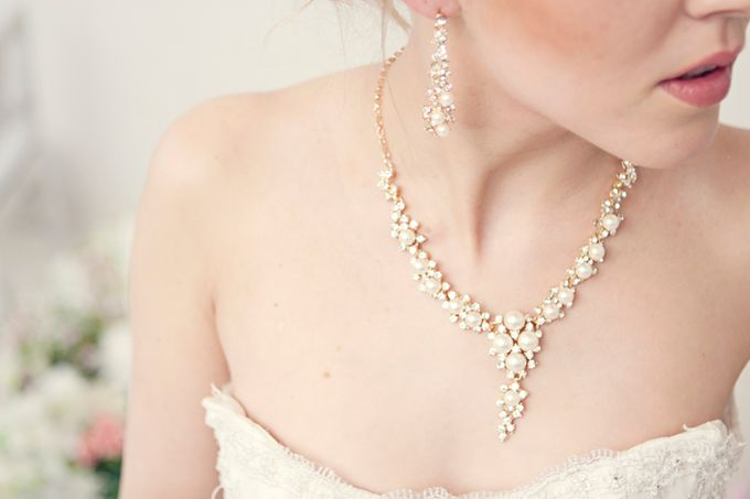 Pearl and crystal jewery for wedding by Weddingbliss - 004