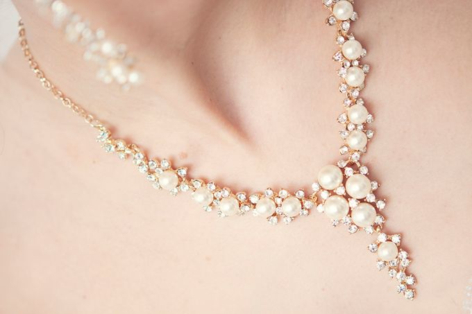 Pearl and crystal jewery for wedding by Weddingbliss - 005