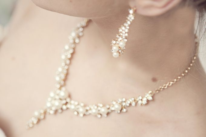 Pearl and crystal jewery for wedding by Weddingbliss - 006