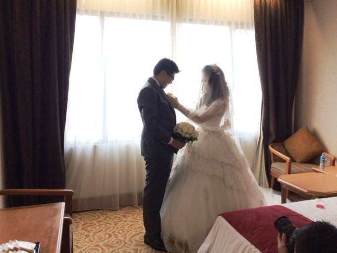 The Wedding Of Hendri and Lita by JS Wedding Planner Organizer and Entertainment - 017