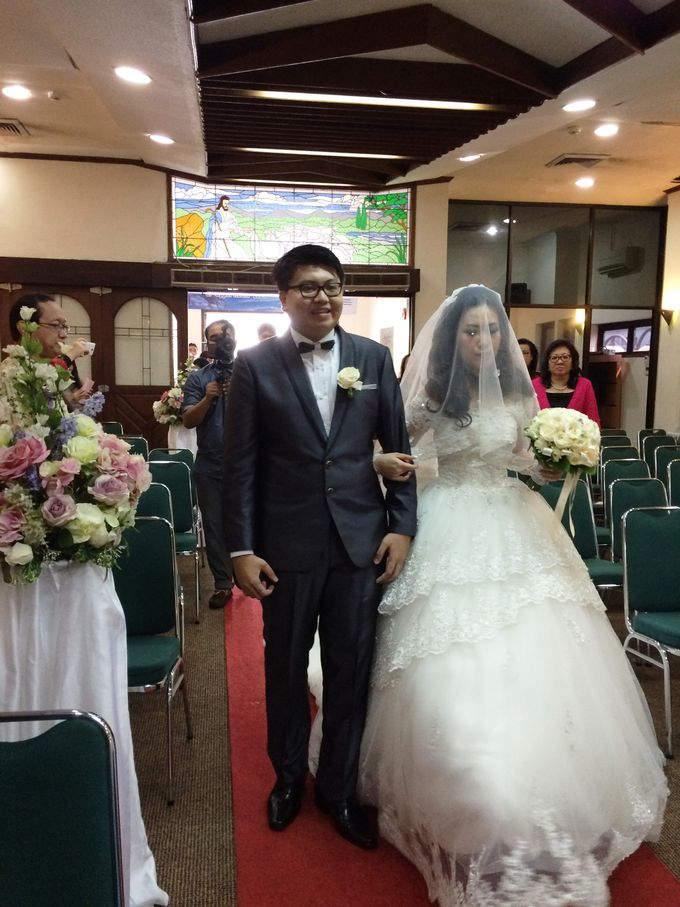 The Wedding Of Hendri and Lita by JS Wedding Planner Organizer and Entertainment - 028