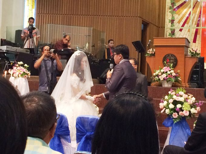 The Wedding Of Hendri and Lita by JS Wedding Planner Organizer and Entertainment - 029