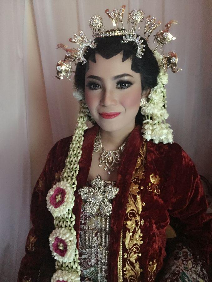 Tambahkan ke board salon ratu bridal by salon ratu samarinda 010