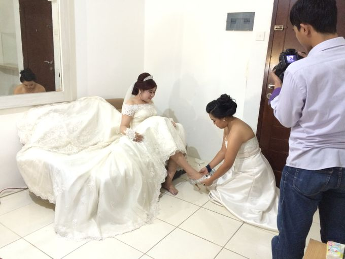 THE WEDDING OF YONATHAN AND RIYANI by JS Wedding Planner Organizer and Entertainment - 005