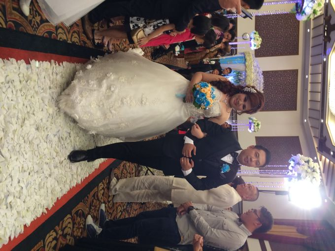 THE WEDDING OF YONATHAN AND RIYANI by JS Wedding Planner Organizer and Entertainment - 035