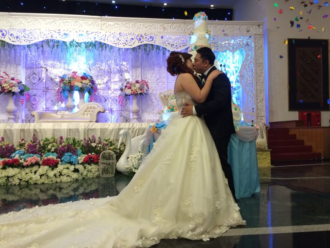THE WEDDING OF YONATHAN AND RIYANI by JS Wedding Planner Organizer and Entertainment - 041