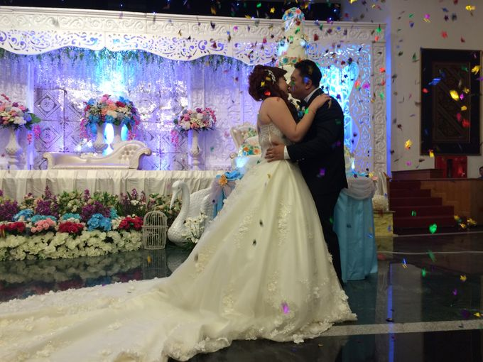 THE WEDDING OF YONATHAN AND RIYANI by JS Wedding Planner Organizer and Entertainment - 042