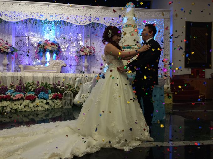 THE WEDDING OF YONATHAN AND RIYANI by JS Wedding Planner Organizer and Entertainment - 043