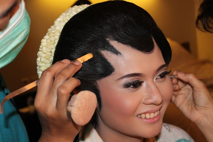 WEDDING - CYNTHIA by NANA Rias Pengantin - 004
