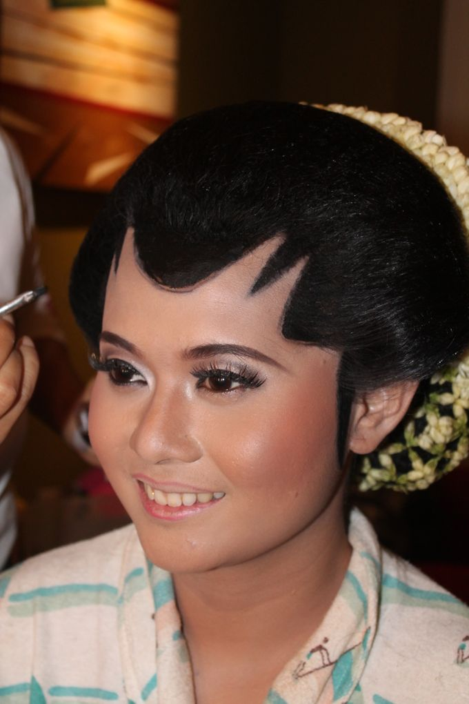WEDDING - CYNTHIA by NANA Rias Pengantin - 005