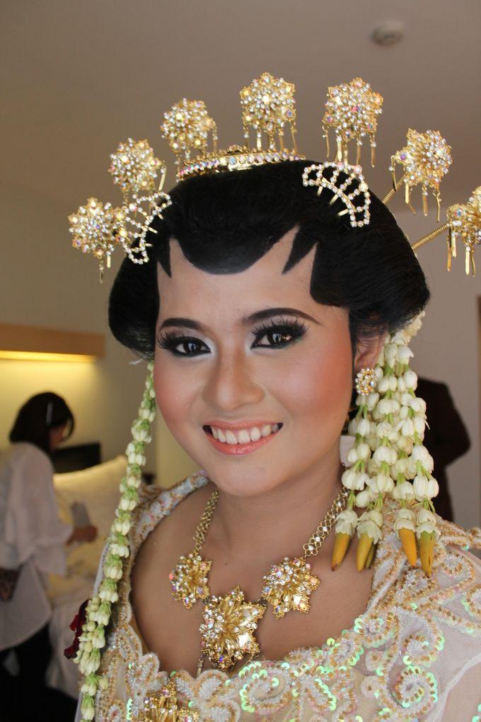 WEDDING - CYNTHIA by NANA Rias Pengantin - 006