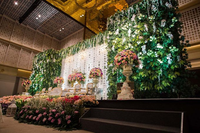 The Wedding of Davin & Yunisa by The Swan Decoration - 013