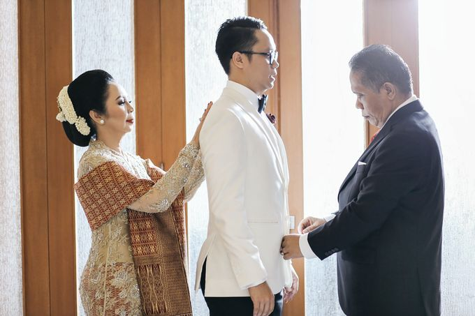 Togi & Jesicca - Holy Matrimony & Batak Ceremony by JAYSU Weddings by Jacky Suharto - 019