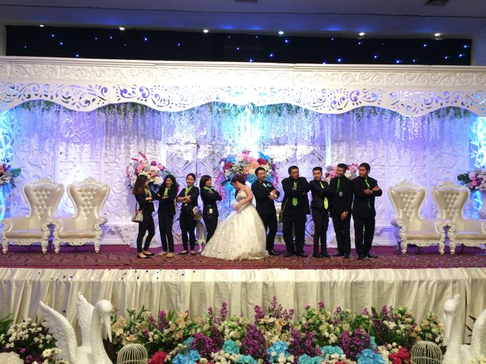 THE WEDDING OF YONATHAN AND RIYANI by JS Wedding Planner Organizer and Entertainment - 050