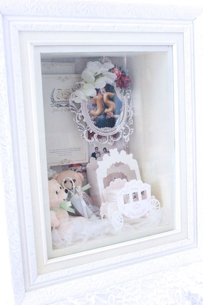 Frame Bouquet by Cup Of Love Design Studio - 017