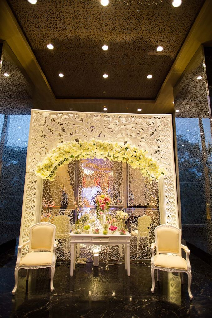 The Wedding of Albert & Sylvia Grand mercure Kemayoran by The Swan Decoration - 009