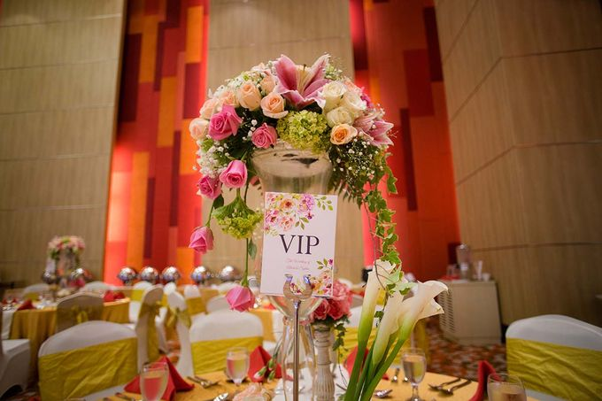 The Wedding of Albert & Sylvia Grand mercure Kemayoran by The Swan Decoration - 017
