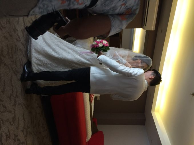 THE WEDDING OF RIDWAN AND EVELYN by JS Wedding Planner Organizer and Entertainment - 011