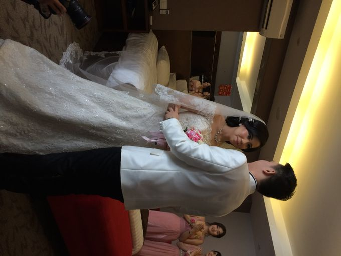 THE WEDDING OF RIDWAN AND EVELYN by JS Wedding Planner Organizer and Entertainment - 014