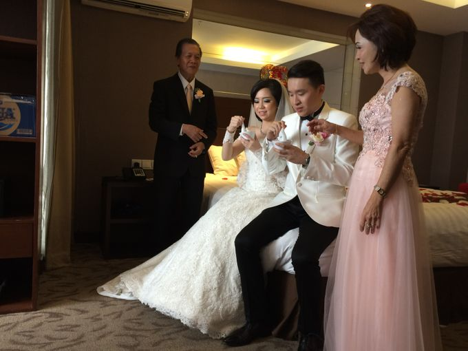 THE WEDDING OF RIDWAN AND EVELYN by JS Wedding Planner Organizer and Entertainment - 015
