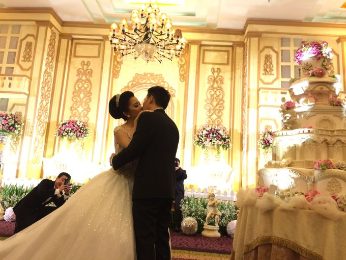 THE WEDDING OF RIDWAN AND EVELYN by JS Wedding Planner Organizer and Entertainment - 029