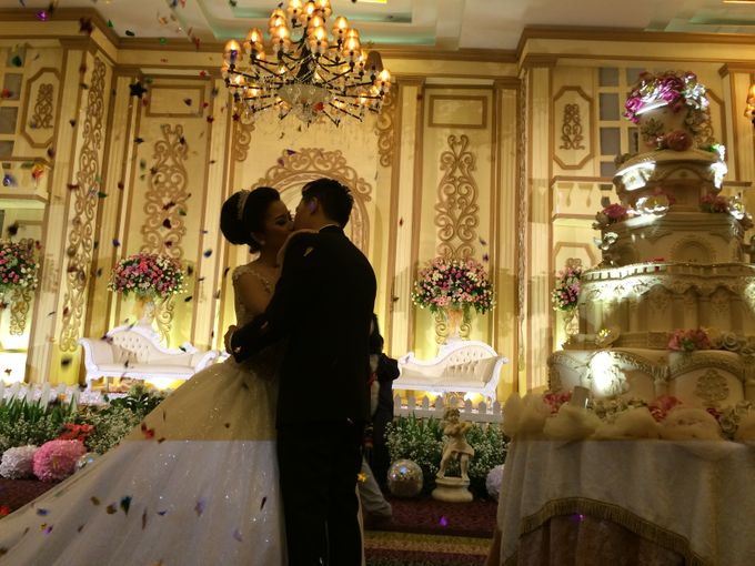 THE WEDDING OF RIDWAN AND EVELYN by JS Wedding Planner Organizer and Entertainment - 031