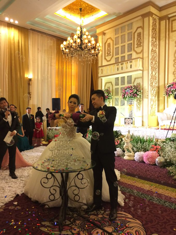 THE WEDDING OF RIDWAN AND EVELYN by JS Wedding Planner Organizer and Entertainment - 032