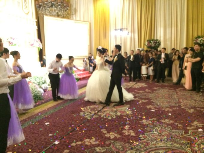 THE WEDDING OF RIDWAN AND EVELYN by JS Wedding Planner Organizer and Entertainment - 038