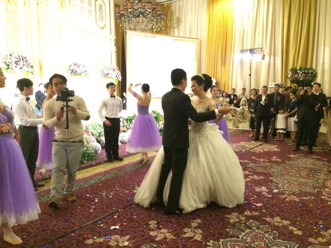 THE WEDDING OF RIDWAN AND EVELYN by JS Wedding Planner Organizer and Entertainment - 040