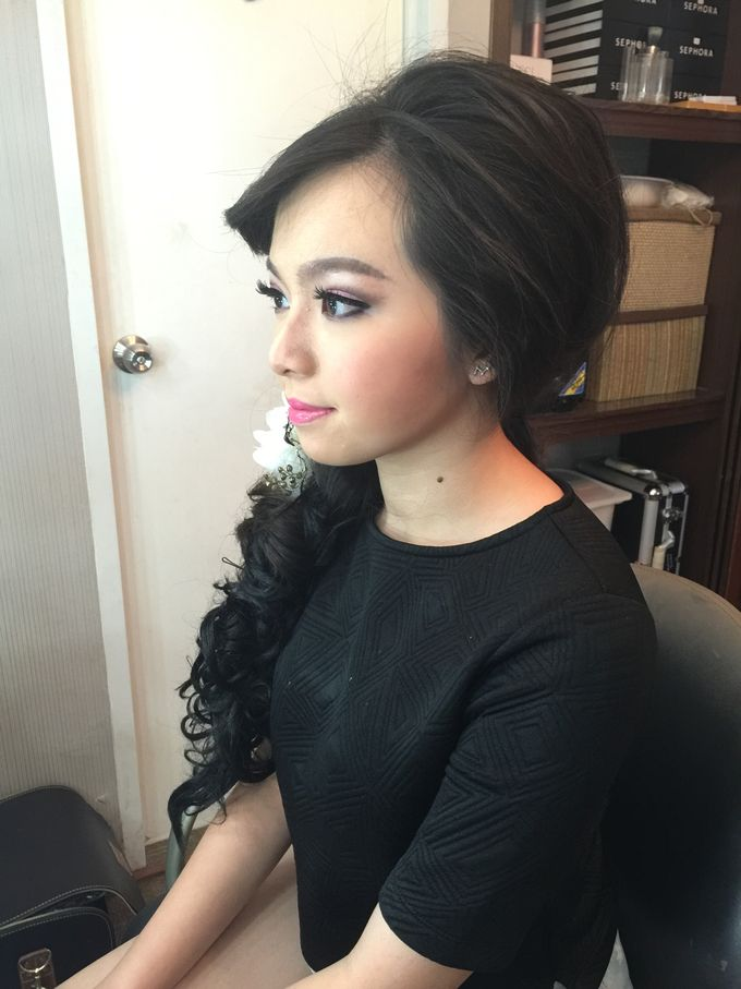 Makeup and Hairdo for Bride by Lee Cinthya Makeup Artist - 007