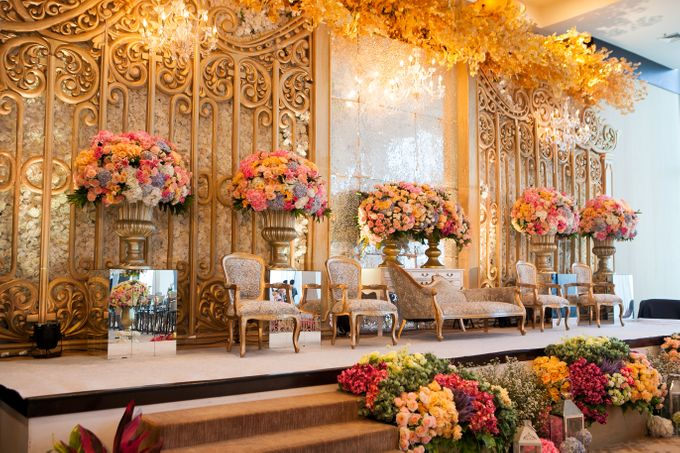 The Wedding of Hari & Novi by The Swan Decoration - 003
