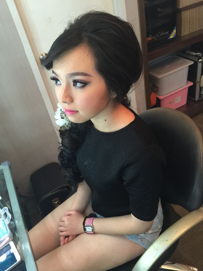Makeup and Hairdo for Bride by Lee Cinthya Makeup Artist - 009