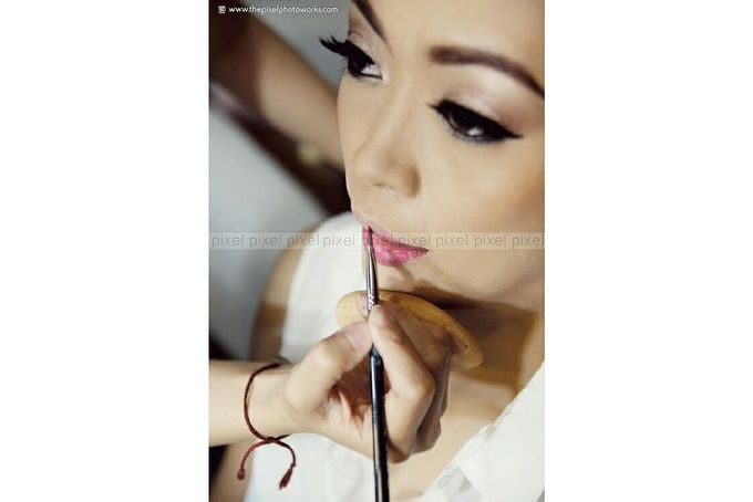 Wedding Makeup by Dhea Arway Makeup Artist - 004