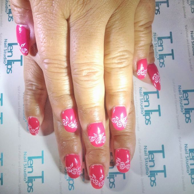 Engagement Nails by Ten Tips Nail Studio - 014