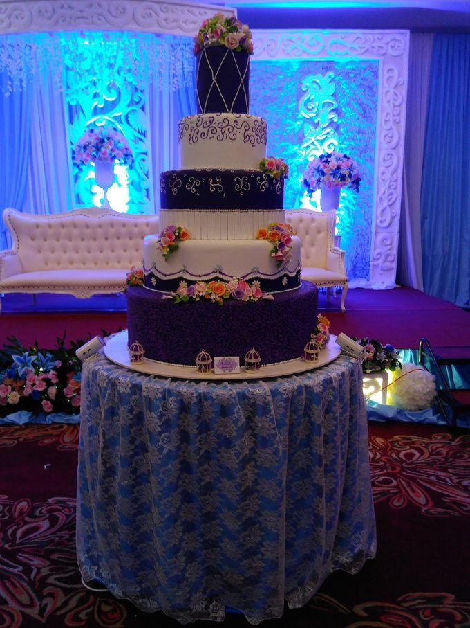 Wedding Cake By The Purple Wedding Cake Bridestory Com