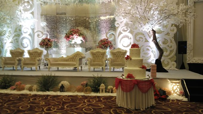 MC Wedding and Ceremony Echy & Iyan by She La Vie Organizer & Decoration - 005